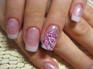 Фото.  Рисунки на ногтях позволяют придать рукам женщины особую красоту и некоторую.  Люди.